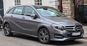 2018 Mercedes-Benz B220d Exclusive Edition 2.1 Front.jpg