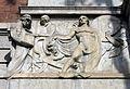 261 Missatgers, de Frederic Marès, edifici de Correus (Girona).jpg