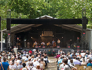 Gypsy jazz - Festival Django Reinhardt at Samois-sur-Seine.