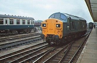 Transport in Cambridge - A British Rail Class 37 at Cambridge on the diamond crossing under British Rail.