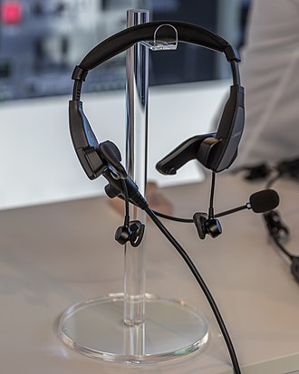 Bose Corporation - Bose ProFlight Aviation Headset with earbuds
