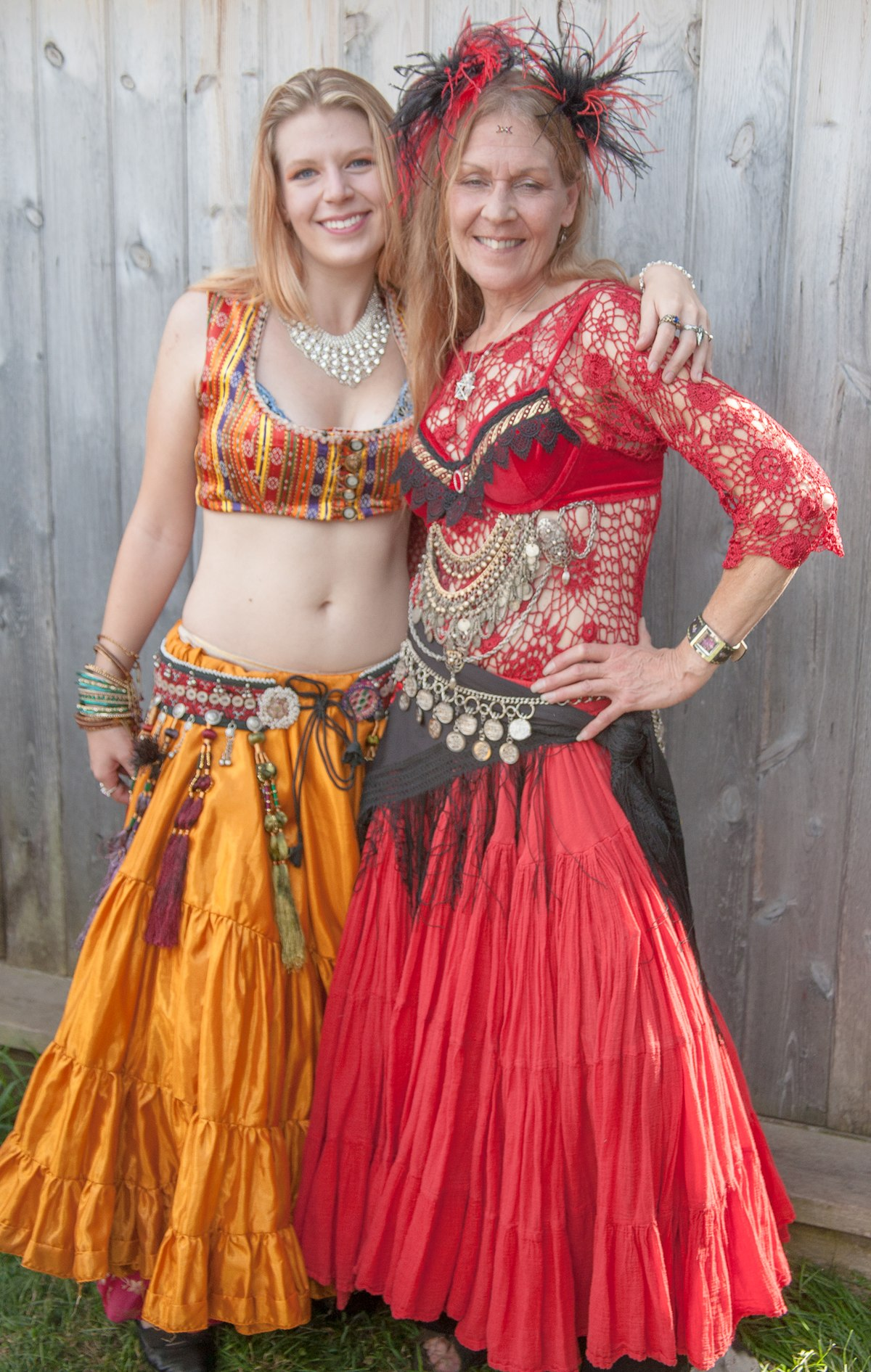 File:A professional belly dancer and her mother (8008076087).jpg ...