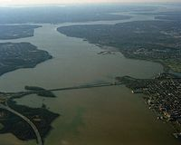 Aerial view of Potomac River and Woodrow Wilson Memorial Bridge from north, 1991.jpg