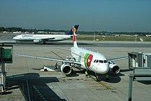 Sân bay Francisco de Sá Carneiro