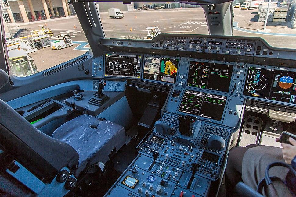 Airbus A-350 XWB F-WWYB cockpit view