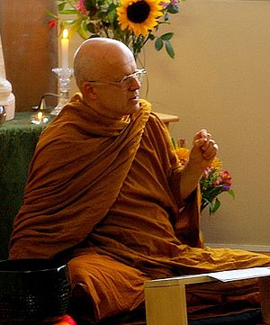 English: Buddhist Monk Ajaan Geoff giving a Dh...