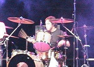 Allen Shellenberger - Shellenberger performing with Lit in 2004