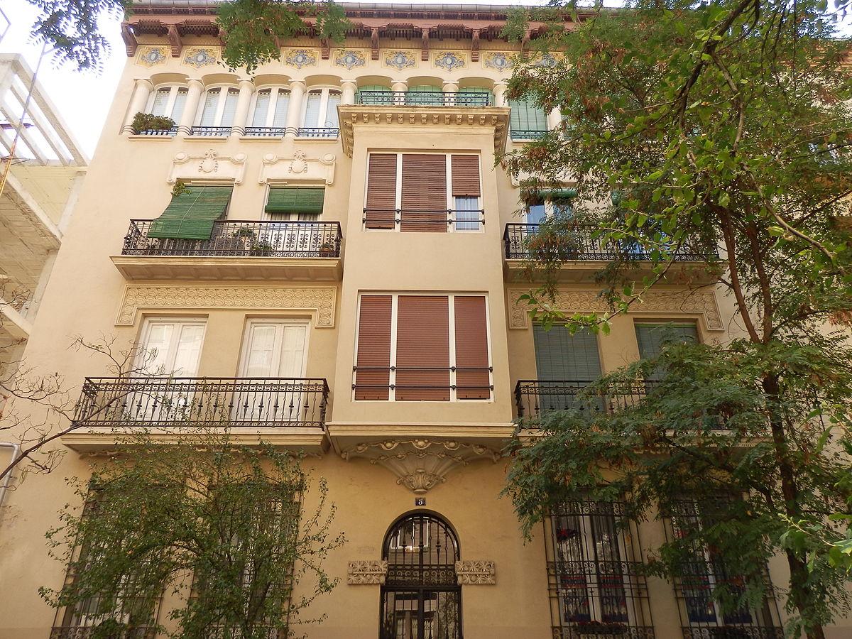 edificio de viviendas en la calle almagro 5 de zaragoza