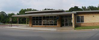Lawrence station (Kansas) - Lawrence Amtrak Station (facing south), 2009