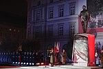 Apel Pamięci podczas odsłonięcie pomnika Lecha Kaczyńskiego w Warszawie.jpg