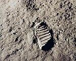 Apollo 11 bootprint - GPN-2001-000014.jpg