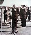 Arturo Illia y su esposa en el Aeropuerto de Ezeiza.jpg