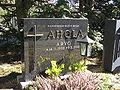 Arvo Ahola grave 2010.jpg