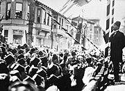Atatürk 1924'te Bursa halkına hitap ediyor
