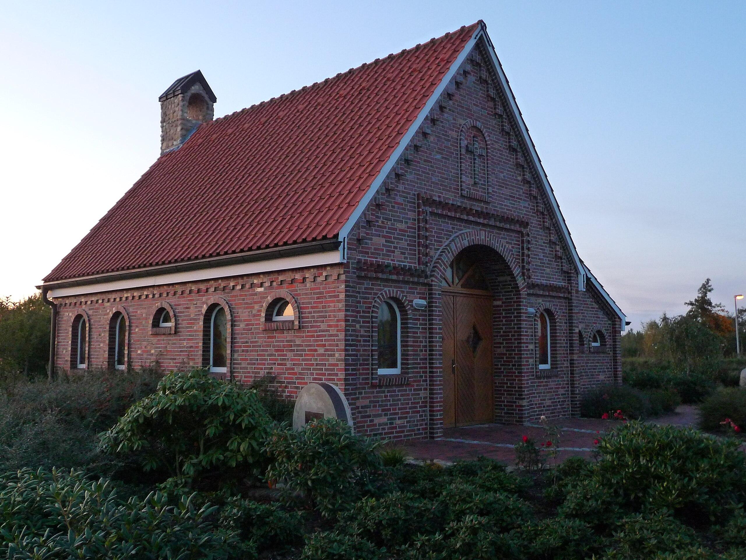 2560px-autobahnkapelle_jesus_brot_des_lebens