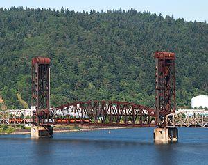 Burlington Northern Railroad Bridge 5.1 - Image: BNSF bridge 5.1 with steam loco SP 4449 crossing