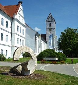 Bad Buchau - Stiftskirche St. Cornelius und Cyprianus, Stift