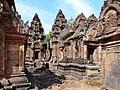 Banteay Srei 32a.jpg