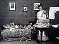 Barnmorska med sju barn - Atelier Bruzelius Visby.jpg