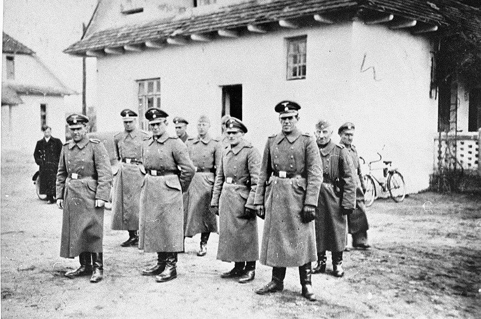 Belzec - SS staff (1942)