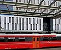 Bergen jernbanestasjon - ny nabo langs perrongene.jpg