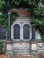 Berlin St. Petri Luisenstadt Friedhof Grab Kessler 022194.jpg