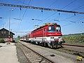 Boleráz, nádraží, vlak s lokomotivou 240.111.jpg