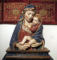 Bottega di ghiberti, madonna col bambino in stucco, eseguita in serie, 1420-1430, 84x70,5x21 cm, coll. priv.JPG