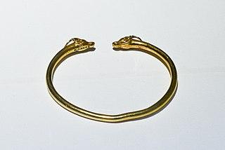 Bracelets à têtes de bouquetins Bj 2240 a et b