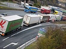 Code di camion bloccati sull'A22