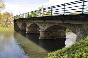 Bridge on Bèze in Bezouotte.JPG