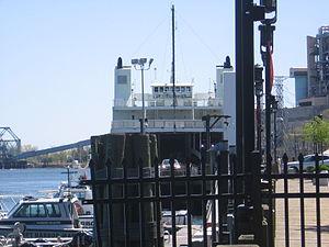 Bridgeport-Port Jefersion Ferry unloading B'port 140.JPG