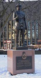 Brigadier Andrew Hamilton Gault statue, Ottawa