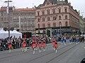 Brno, 140 let MHD (03), náměstí Svobody, průvod.jpg