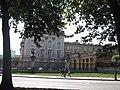 Buckingham Palace - seen from Green Park (20365453373).jpg