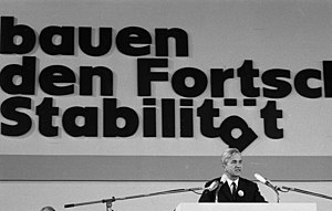 Richard von Weizsäcker - Weizsäcker addressing a CDU party convention in 1972