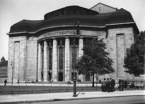 Oskar Kaufmann - Volksbühne theater on Rosa-Luxemburg-Platz in Berlin