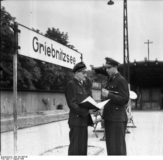 "Potsdam Griebnitzsee station - Griebnitzsee station in 1949 as a FDJ ""youth station"" (Jugendbahnhof)"