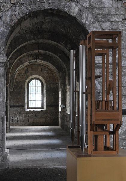 File:Burchardikirche Halberstadt Chorumgang vom südlichen Querhaus.jpg