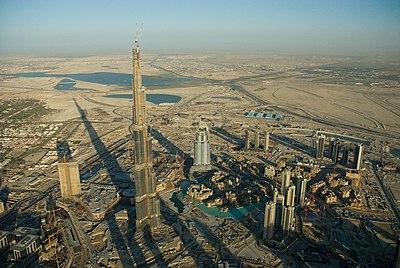 en segundo puesto se encuentra el burj dubai un rascacielos que se encuentra actualmente en construccin y que est situado en el distrito downtown burj
