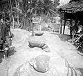 COLLECTIE TROPENMUSEUM Magische stenen te Bitombang TMnr 10001123.jpg
