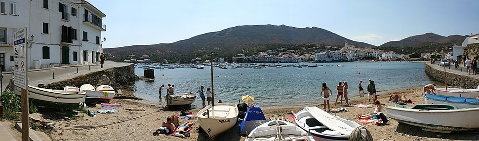 Cadaques stiched
