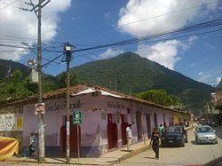 Calle en Zongolica, Veracruz.jpg