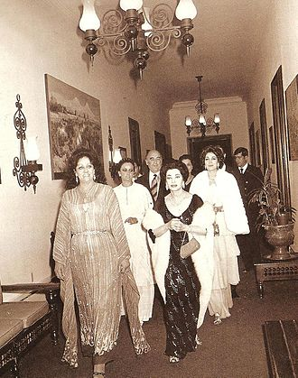 Foreign relations of Mexico - Mexican First Lady Carmen Romano and President José López Portillo accompanying Iranian Queen Consort Tadj ol-Molouk in Mexico City; 1978.