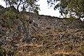 Castillo de Montemayor; muralla de uno de los tres recintos amurallados que tuvo, en Benahavís, Málaga.jpg