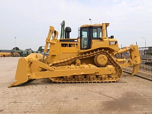 Caterpillar D8 - D8 series with raised drive sprockets
