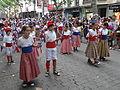 Cercavila menuda 2013 - 19 Nens de l'Agrupació Folklorica d'Igualada amb el ball de cercolets.JPG