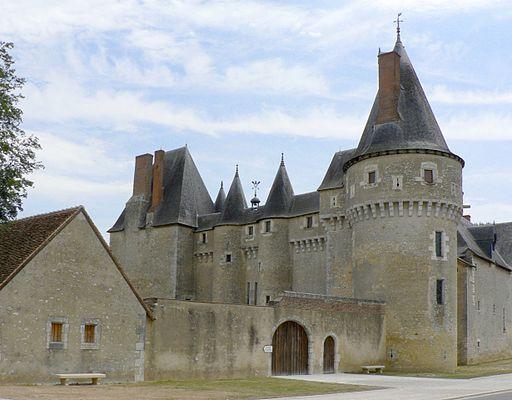 Chateau fougeres sur bievre 062006