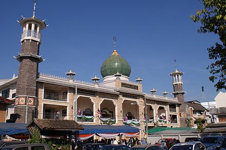 Hui people who have also migrated to the south such as this Darunaman Mosque, located in Chiang Rai province, Thailand shows a mixture between Chinese and Islamic architecture Chiang Rai Mosque1.jpg