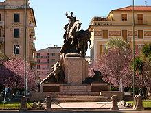 Il monumento ai caduti chiavaresi nelle guerre mondiali